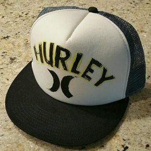 ☉ Hurley Snapback Trucker Hat New!